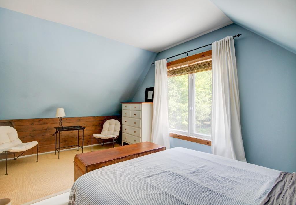 Room2 (1)